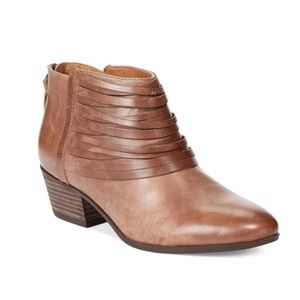 Clarks Spye Celeste Ankle Booties Sand Leather 7.5